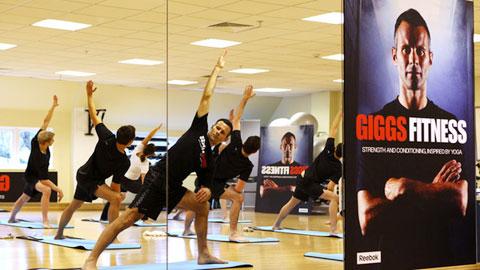 Ryan Giggs tròn 46 tuổi: Trường sinh bất lão nhờ Yoga