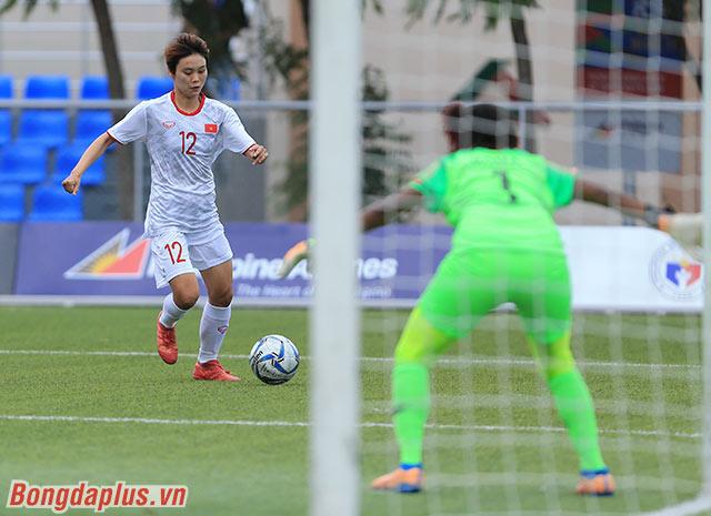 Trở lại với trận đấu, đội tuyển nữ Việt Nam sớm gây sức ép trước Indonesia
