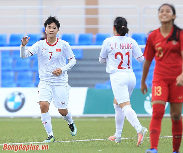 Đội tuyển nữ Việt Nam tiến gần đến vòng bán kết sau khi dẫn trước đối thủ tới 3 bàn