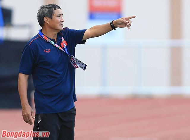 HLV Mai Đức Chung chưa hài lòng khi các học trò còn bỏ lỡ cơ hội trước cầu môn Indonesia