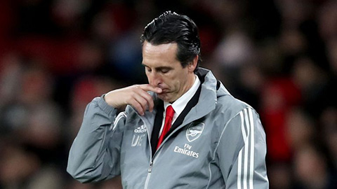 Fan & huyền thoại Arsenal nổi giận đòi tống cổ Emery