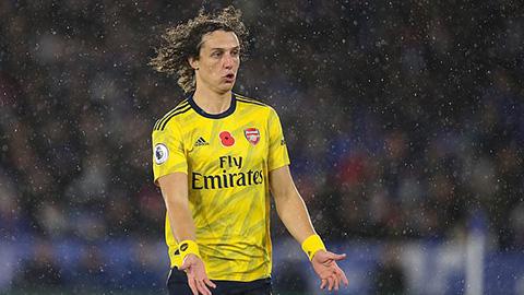 Người M.U bắt bệnh Arsenal, bênh vực Emery