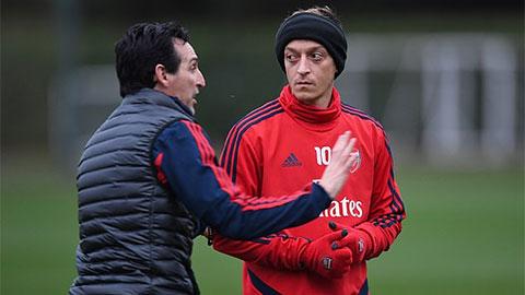"""Nội tình Arsenal: Emery bị sa thải nằm trong """"dự tính"""" của toàn đội"""