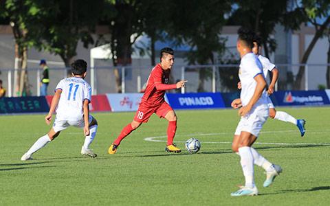 Trận đấu giữa U22 Việt Nam và U22 Singapore có khả năng bị hoãn bởi siêu bão đổ bộ vào Philippines - Ảnh: Đức Cường