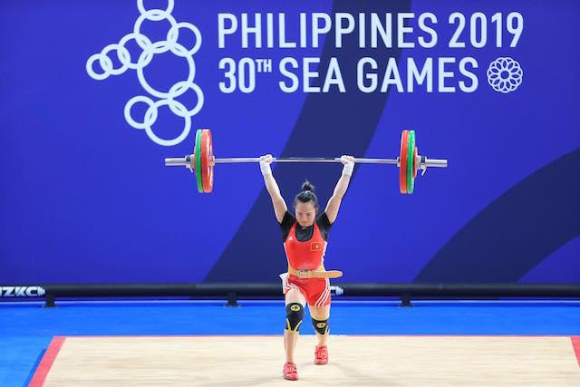 Vương Thị Huyền thi đấu  ở hạng cân 55kg nữ. Ảnh: Đức Cường