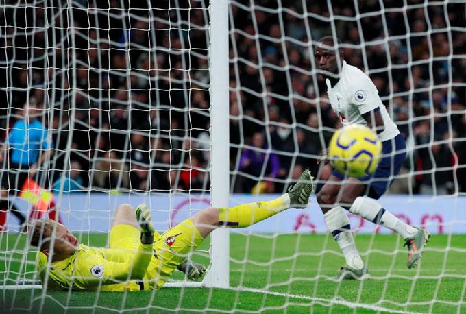 Sissoko nâng tỷ số lên 3-0