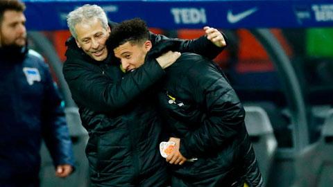 Dortmund: Favre yêu lại từ đầu với Sancho