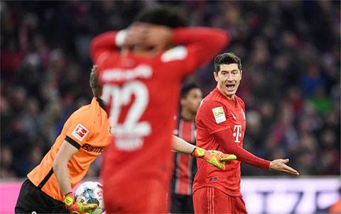 Lewandowski có một trận đấu vô duyên