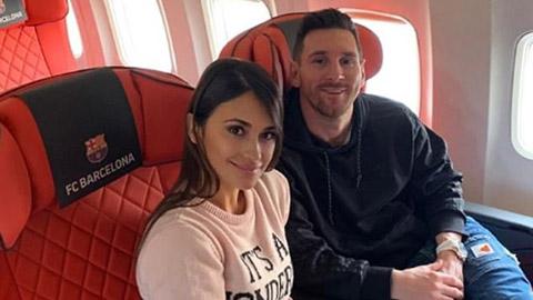 Tin giờ chót 2/12: Vợ chồng Messi đến Paris, sẵn sàng nhận Quả bóng Vàng