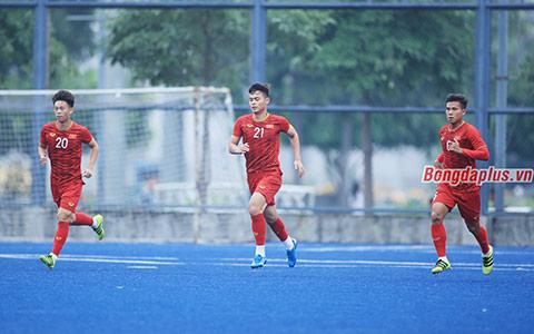 Trần Thanh Sơn tự tin hướng đến trận đấu với U22 Singapore - Ảnh: Đức Cường