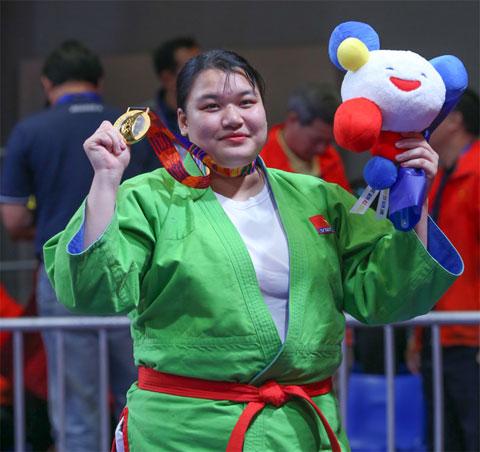 Thanh Thủy với tấm HCV kurash  hạng 70kg nữ