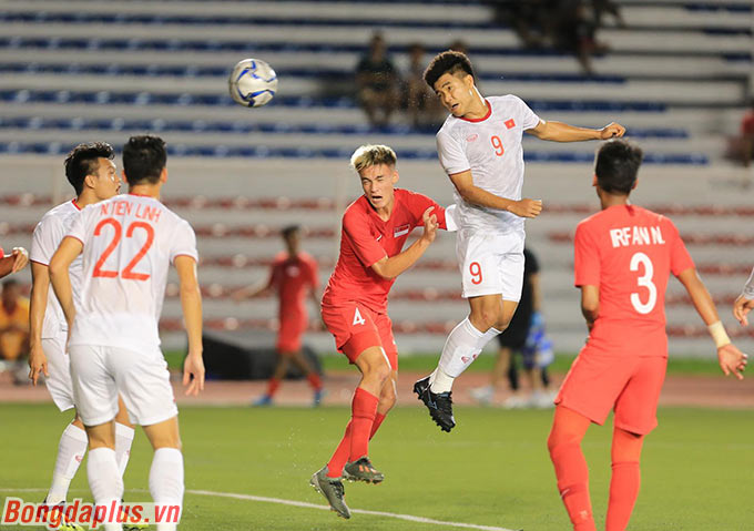 Đức Chinh ghi bàn bằng đầu thứ 4 ở SEA Games 2019 - Ảnh: Đức Cường
