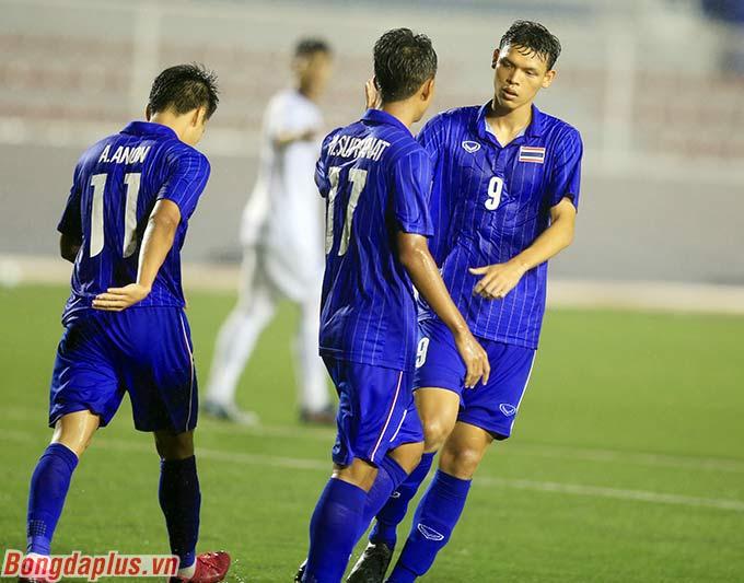 Suphanat có thêm 1 bàn thắng để ấn định chiến thắng 2-0 cho U22 Thái Lan.