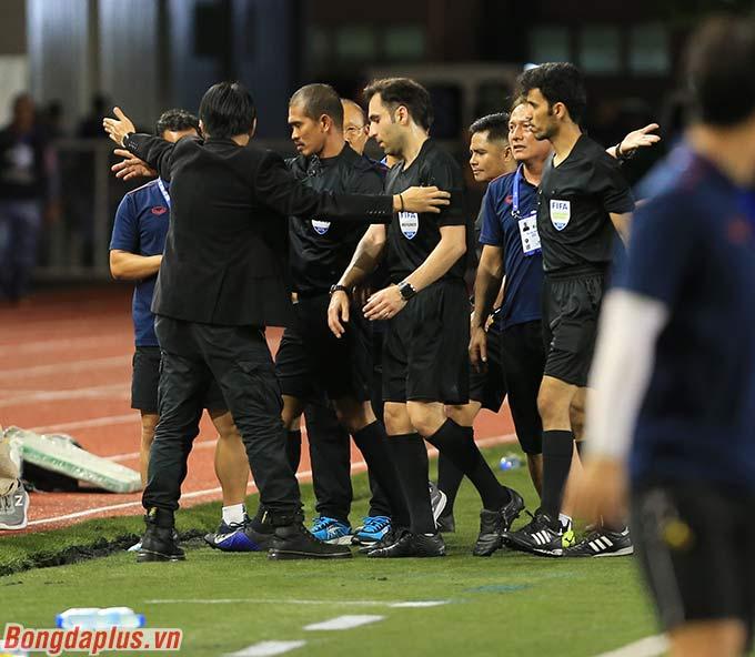 U22 Việt Nam mất đi quả đá phạt góc có thể tạo ra cơ hội ghi bàn. Còn nhớ ở trận gặp U22 Brunei hay U22 Indonesia, U22 Việt Nam đều ghi bàn từ những quả đá phạt góc.