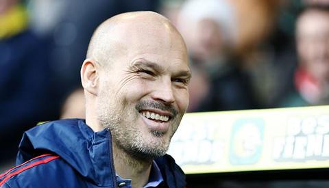 Arsenal có thể phải gắn bó lâu dài với Ljungberg