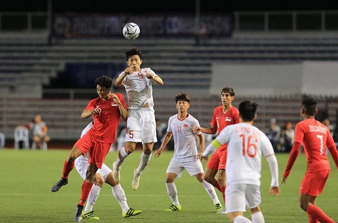 Trận đấu khó khăn của thầy trò HLV Park Hang Seo - Ảnh: Đức Cường