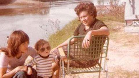 Bức ảnh hiếm hoi chụp Messi, mẹ và bà ngoại Celia