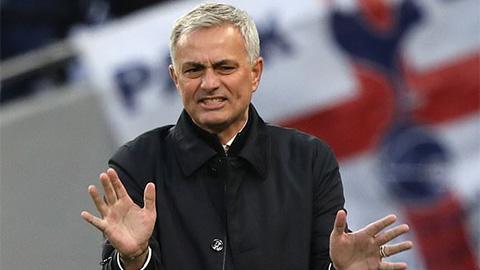 HLV Mourinho tuyên bố mình không phải là kẻ thù của M.U