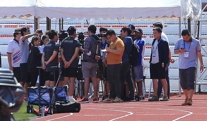 Cấm cửa phóng viên Việt Nam nhưng ông Nishino lại tỏ ra dễ tính với truyền thông trong nước. Đây cũng là điều được dự báo từ trước khi chiều mai, U22 Thái Lan sẽ có trận đấu sống còn với U22 Việt Nam tại bảng B SEA Games 30