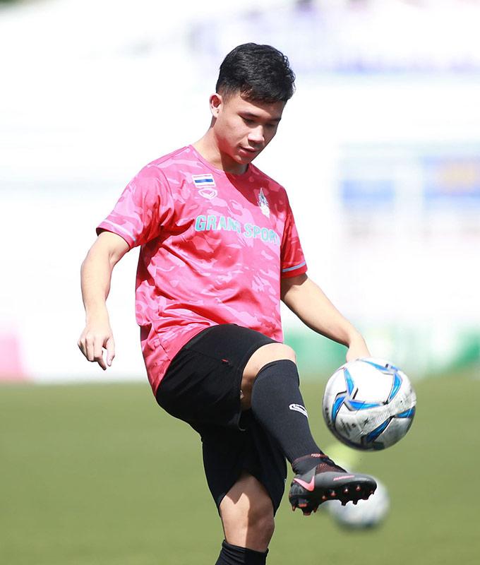 Supachok, ngôi sao số 1 của Thái Lan không đá phút nào ở chiến thắng 2-0 trước Lào. Chân sút của Buriram được giữ sức cho trận chiến quan trọng gặp Việt Nam