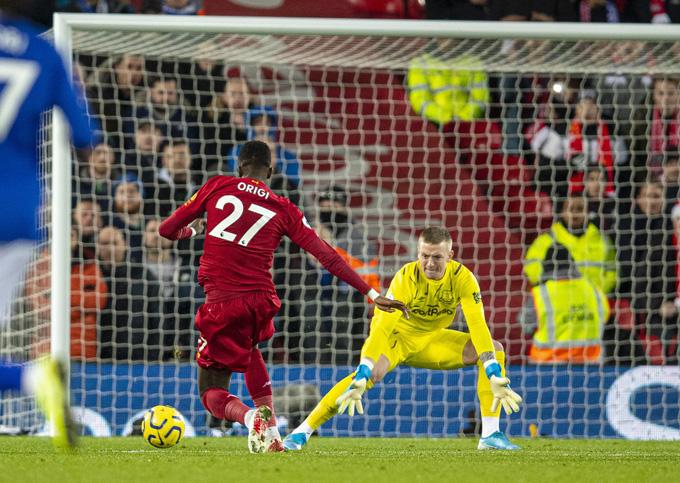 Origi mở ra bữa tiệc bàn thắng trên sân Anfield ngay phút thứ 6