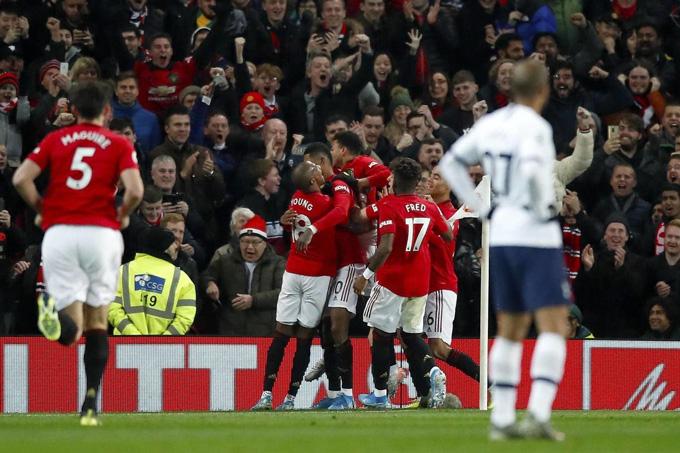 Nhưng lại chơi rất hay trước các đội lớn như Tottenham