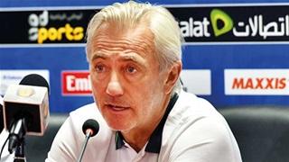 Uất ức vì thua Việt Nam, UAE sa thải HLV Van Marwijk