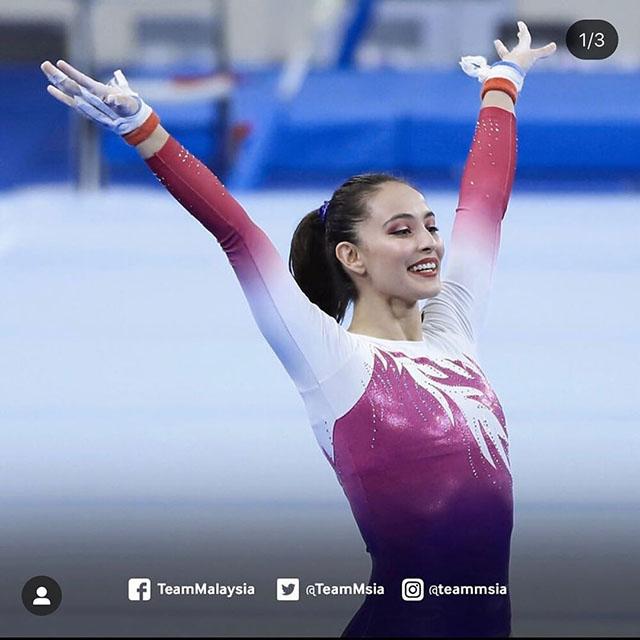 Trước khi dự SEA Games 30, Farah là VĐV TDDC đầu tiên của Malaysia giành vé dự Olympic Tokyo 2020. Người đẹp 25 tuổi sinh ra trong gia đình có bố là người Malaysia, mẹ đến từCanada. Cha mẹ chính là những người đã giúp Farah làm quen với thể dục dụng cụ lúc 3 tuổi.