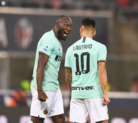 """""""Song sát"""" Lukaku (trái) - Lautaro sẽ giúp Inter nối dài chuỗi toàn thắng lên 5 trận đêm nay"""