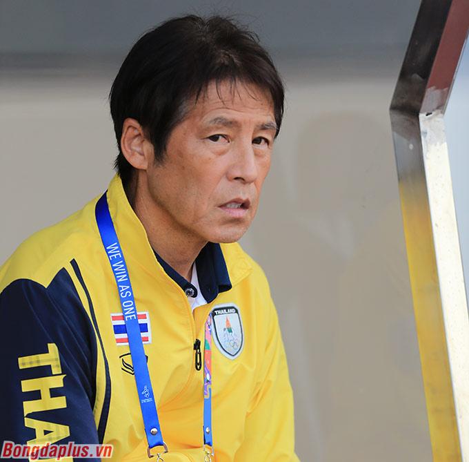 HLV Akira Nishino không có nhiều thời gian cùng U22 Thái Lan chuẩn bị cho SEA Games - Ảnh: Đức Cường