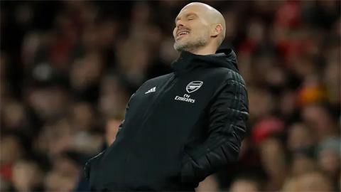 Ljungberg không có phương thuốc thần cứu Arsenal đang hấp hối