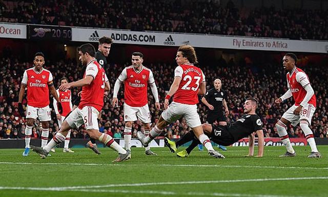 Arsenal tiếp tục có trận đấu tệ hại