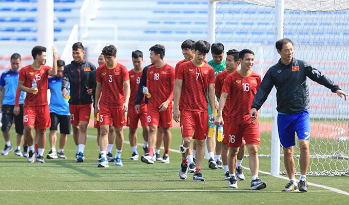 Một ngày sau trận đấu cuối tại vòng bảng với U22 Thái Lan, U22 Việt Nam đã có buổi tập nhẹ chuẩn bị cho trận bán kết SEA Games 30 với U22 Campuchia vào sáng nay (6/12) tại sân Rizal Memorial