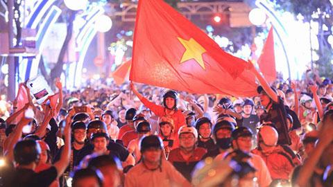 Đi bão ăn mừng chiến thắng dần là thói quen của người Việt thời Park Hang Seo