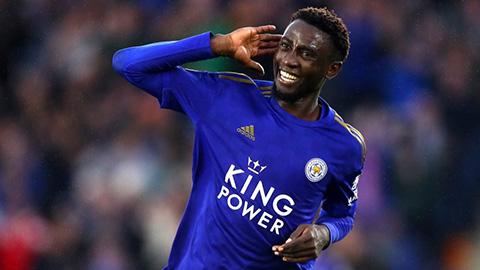 Leicester vượt mặt M.U, Arsenal nhờ chăm 'đốn giò' đối phương