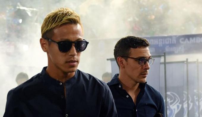 """Dalmas nói thêm: """"Tôi và Honda không muốn đến Campuchia chỉ để nhận lương và nghỉ dưỡng. Chúng tôi muốn làm nên điều gì đó cho bóng đá Campuchia""""."""