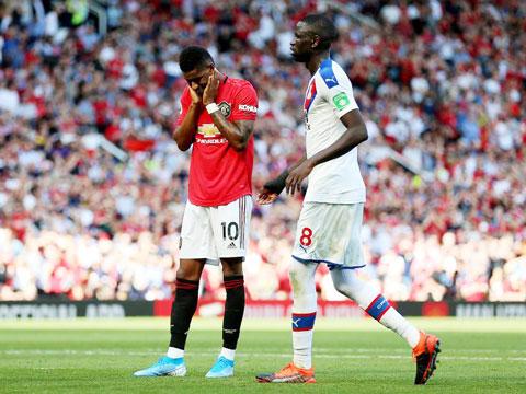 Palace thoát chuỗi 2 trận thua liên tiếp nhờ được gặp M.U
