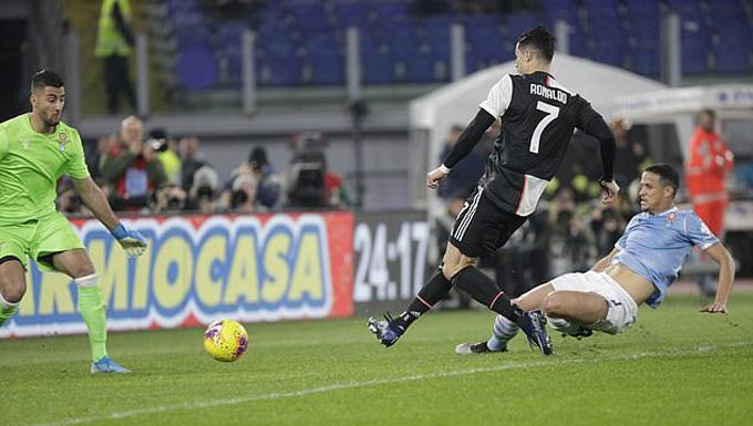 Ronaldo mở tỷ số trận đấu ở giữa hiệp 1