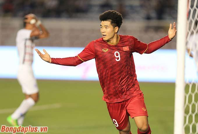 Đức Chinh ăn mừng bàn thắng thứ 6 ở SEA Games 30 của mình.