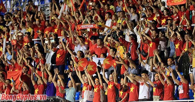 U22 Việt Nam dẫn 4-0 trước U22 Campuchia sau 70 phút thi đấu. Cánh cửa vào chung kết đã mở toang với U22 Việt Nam.