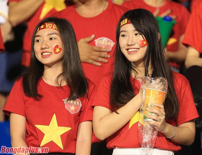 Nhiều CĐV đi từ Cao Bằng, Hà Nội, Đồng Nai, Quảng Ninh... sang Philippines để cổ vũ cho U22 Việt Nam.