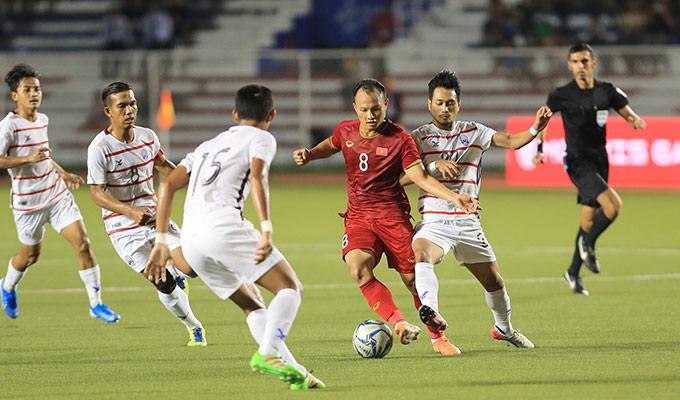 Trọng Hoàng tiếp tục là một trong những ngôi sao sáng nhất trong chiến thắng 4-0 của U22 Việt Nam trước U22 Campuchia ở bán kết SEA Games 30. Hậu vệ kỳ cựu xứ Nghệ chơi xông xáo, quyết tâm trong suốt 90 phút trên sân