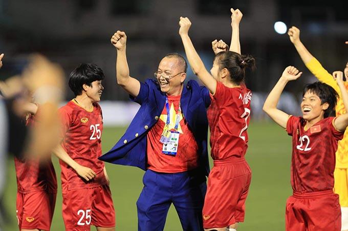 ĐT nữ Việt Nam sẽ trì hoãn ngày về để ủng hộ U22 Việt Nam
