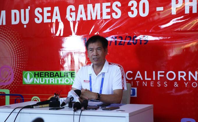 Trưởng đoàn Trần Đức Phấn tin U22 Việt Nam sẽ giành được HCV bóng đá nam. Ảnh: Tuấn Thành