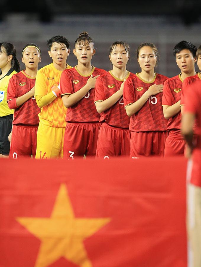 """Tối ngày 8/12, ĐT nữ Việt Nam bước vào trận chung kết tranh HCV SEA Games 30 với ĐT nữ Thái Lan. Đây là trận đấu được dự báo đầy khó khăn cho các cô gái Việt Nam khi người Thái luôn được xem là đối thủ """"không đội trời chung"""" ở khu vực Đông Nam Á"""