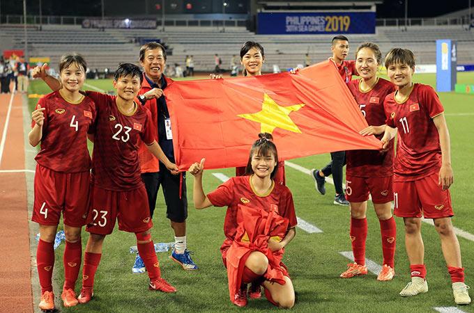 Với việc đánh bại Thái Lan trong trận chung kết, nữ Việt Nam bảo vệ thành công HCV SEA Games. Đây cũng là lần thứ 6, thầy trò HLV Mai Đức Chung giành ngôi hậu Đông Nam Á