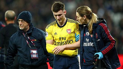 Arsenal trả giá đắt sau chiến thắng West Ham