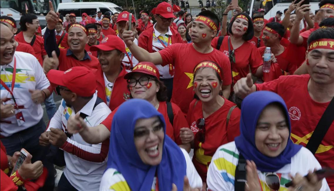 Những tiếng cười sảng khoái trước trận chung kết lịch sử đối với cả 2 đội