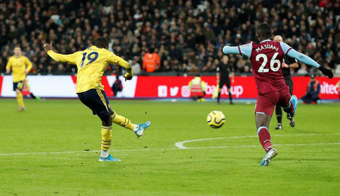 Pháo thủ vươn lên dẫn 2-1 nhờ công của Pepe