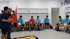 Thước phim đặc biệt HLV Park và các học trò ăn mừng trong phòng thay đồ